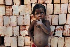 Bambini al Brickfield in India Fotografia Stock Libera da Diritti