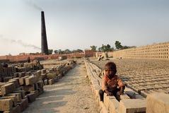 Bambini al Brickfield in India Fotografia Stock