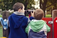 Bambini al campo da giuoco Fotografia Stock Libera da Diritti