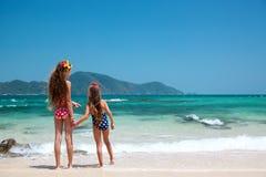 Bambini alla spiaggia Fotografia Stock Libera da Diritti