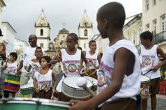 Bambini brasiliani che tamburellano gruppo Pelourinho Salvador fotografie stock