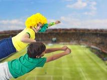 Bambini brasiliani verso il hexa Fotografie Stock