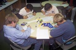 Bambini che disegnano a Sioux City Art Center, Iowa Immagine Stock Libera da Diritti
