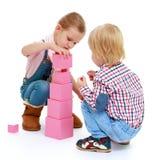 Bambini che giocano con i blocchi Fotografia Stock Libera da Diritti
