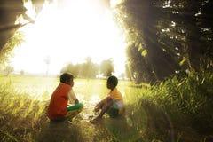 Bambini che giocano di mattina Immagini Stock