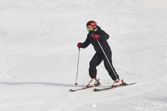 Bambini che iniziano ad imparare come sciare Sport di inverno fotografia stock libera da diritti