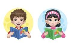 Bambini che leggono un libro Royalty Illustrazione gratis