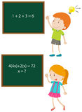 Bambini che risolvono i problemi per la matematica Fotografia Stock Libera da Diritti