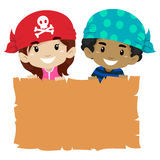 Bambini che tengono papiro in bianco Fotografia Stock