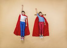 Bambini come supereroi Fotografia Stock