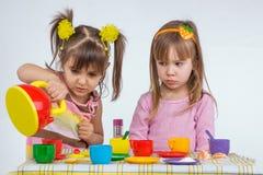 Bambini con la scheda Immagini Stock Libere da Diritti