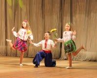 Bambini con le inabilità che ballano in scena Fotografie Stock Libere da Diritti