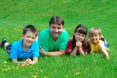 Bambini con lo zio Fotografia Stock