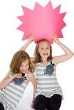 Bambini con un segno in bianco del messaggio Immagini Stock Libere da Diritti