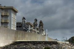 Bambini da Fatima, un piccolo monumento architettonico su una delle rotonde in Fatima, fotografie stock libere da diritti