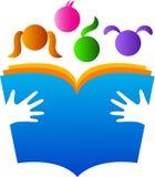 Bambini della lettura Immagine Stock