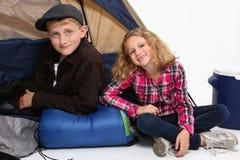 Bambini di campeggio Fotografia Stock
