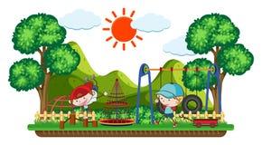 Bambini di scarabocchio che giocano nel campo da giuoco illustrazione di stock