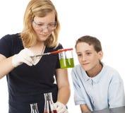 Bambini di scienza - chimica Fotografie Stock Libere da Diritti