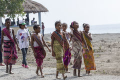 Bambini di Timor Est che indossano i vestiti tradizionali Fotografie Stock Libere da Diritti