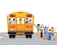 Bambini e bus giallo Immagini Stock
