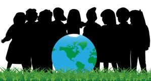 Bambini e globo Fotografie Stock Libere da Diritti