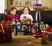 Bambini e presente Fotografie Stock