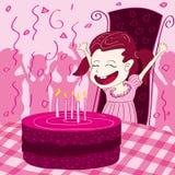 Bambini felici con la torta di compleanno su un fondo a strisce Fotografia Stock