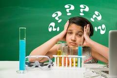 Bambini indiani e scienza Fotografia Stock Libera da Diritti