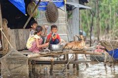 Bambini, linfa di Tonle, Cambogia Fotografia Stock Libera da Diritti