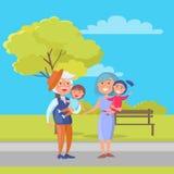 Bambini maturi nonno e nonna della tenuta delle coppie Immagine Stock Libera da Diritti