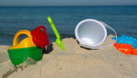Bambini messi per giocare nella sabbia Fotografia Stock Libera da Diritti