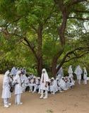 Bambini musulmani musulmani del banco con headscain Sri Lanka Immagini Stock Libere da Diritti