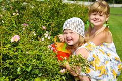 Bambini nel giardino Fotografia Stock