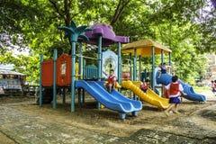 bambini nel playgruond Fotografia Stock Libera da Diritti