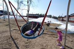 Bambini nella sorgente Fotografie Stock