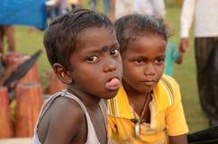 Bambini rurali trascurati all'India Fotografia Stock