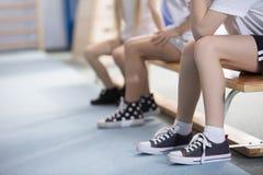 Bambini in scarpe da tennis Fotografia Stock