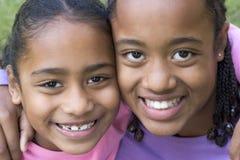 Bambini sorridenti Fotografie Stock Libere da Diritti