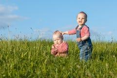 Bambini su una passeggiata Fotografia Stock