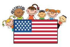 Bambini sul vettore di festa dell'indipendenza dell'insegna delle bandiere americane Fotografie Stock Libere da Diritti
