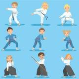 Bambini sulla formazione di arti marziali illustrazione vettoriale