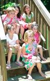 Bambini svegli 5 ragazze un ragazzo Immagini Stock Libere da Diritti