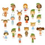 Bambini svegli che portano i costumi di Natale royalty illustrazione gratis