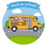 Bambini in uno scuolabus Immagini Stock Libere da Diritti