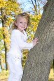 Bambino 16 di autunno Fotografie Stock Libere da Diritti