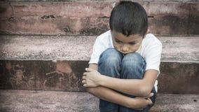 Bambino abusato immagini stock
