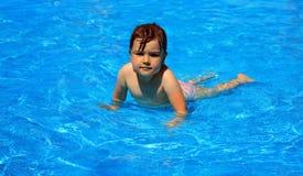 Bambino in acqua Fotografia Stock Libera da Diritti