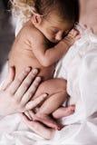 Bambino addormentato appena nato Fotografia Stock Libera da Diritti