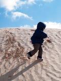 Bambino al deserto Fotografia Stock